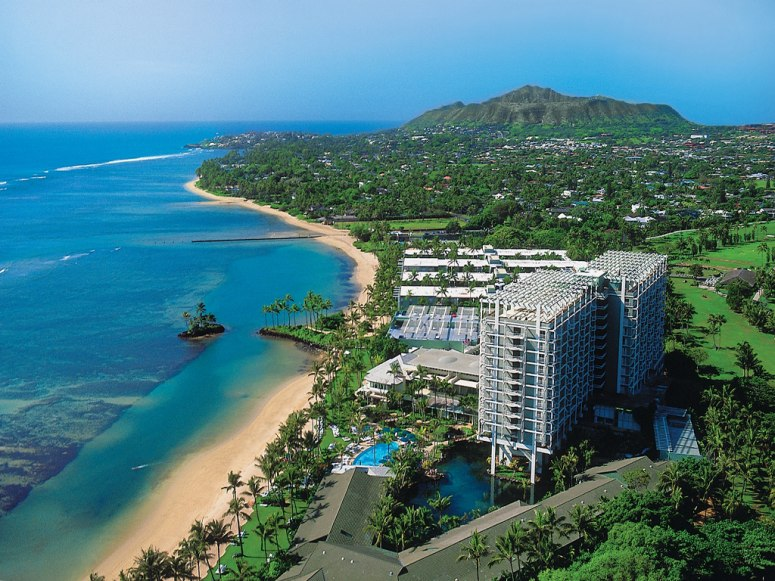 item8.rendition.slideshowWideHorizontal.kahala-hotel-resort-oahu-oahu-hawaii-103894-3.jpg